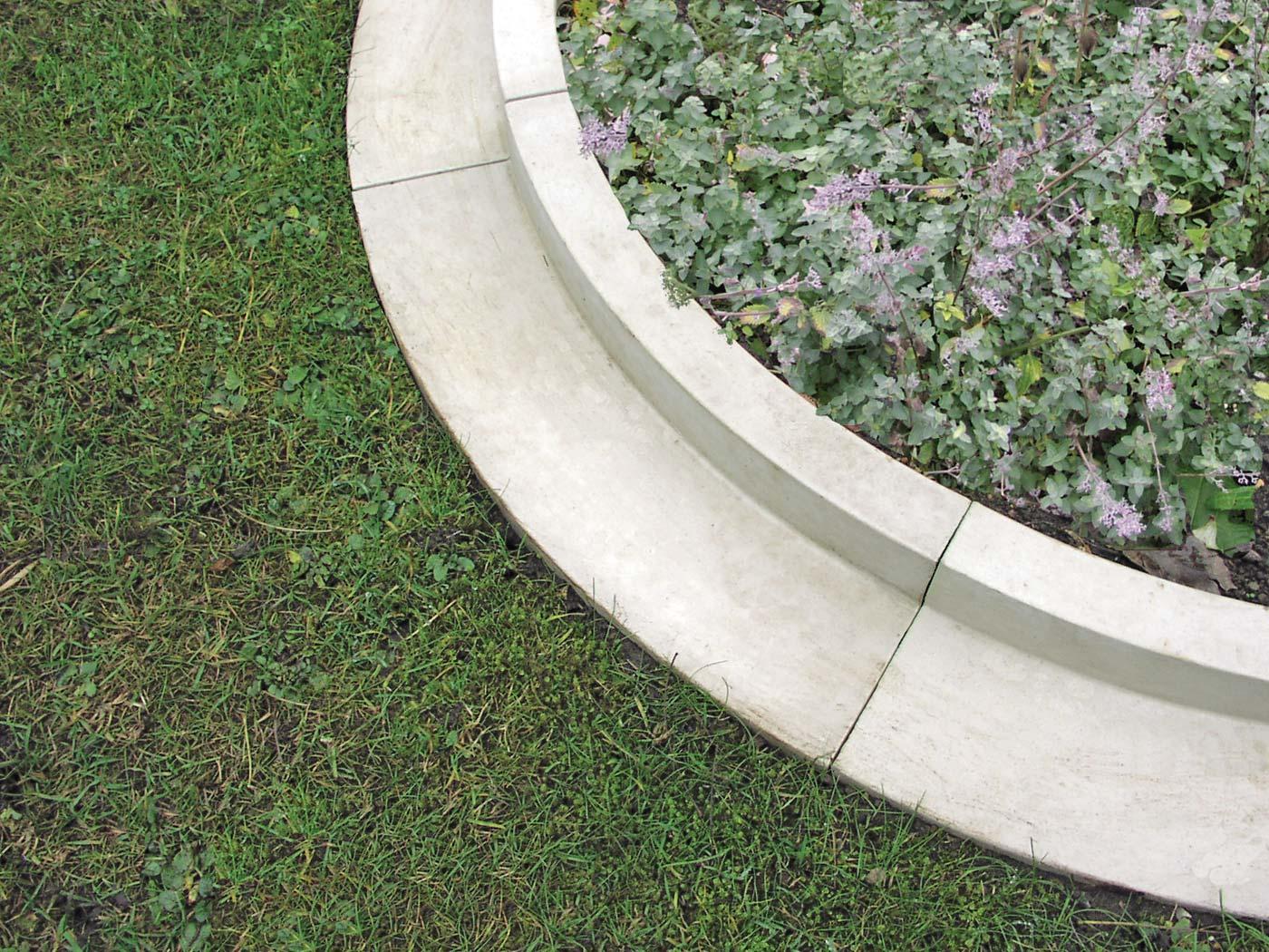 Arcadian Lawn Edging External Curve Haddonstone