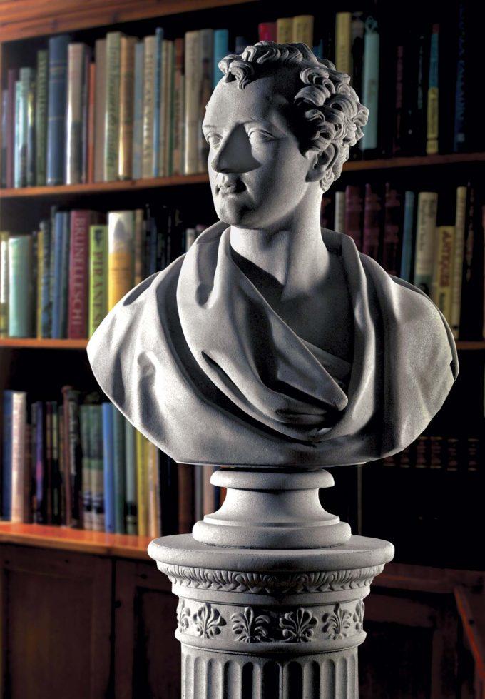 Byron bust