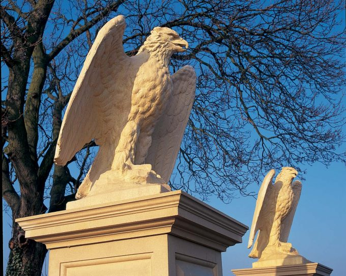 Eagle (right hand)