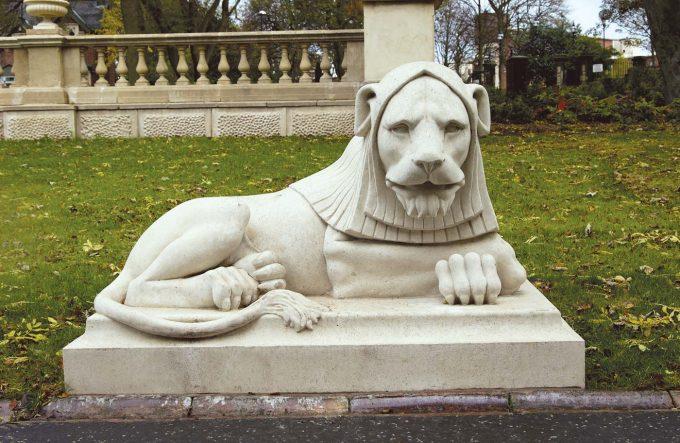 Leazes Park Lion (left-hand)