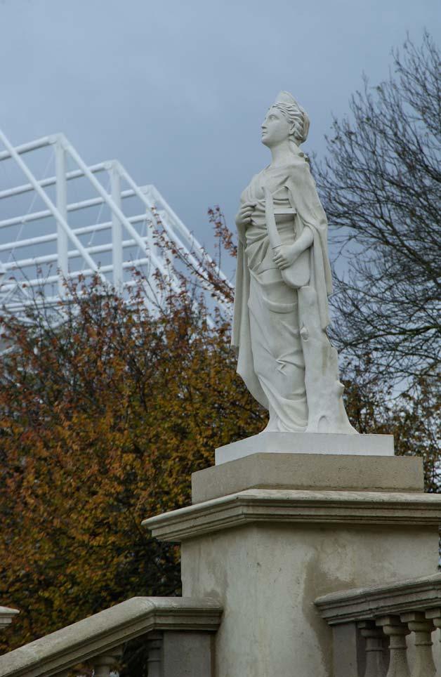 Music statue