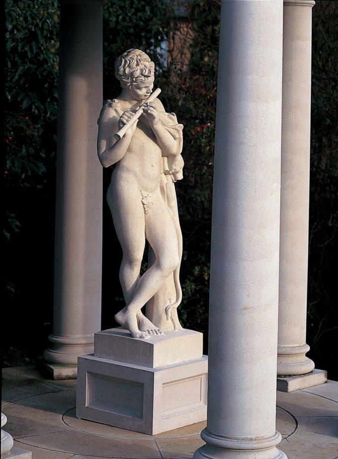 Piper statue