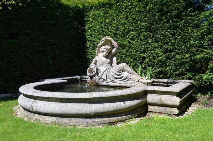 Roman Pool Outside Corner Stone
