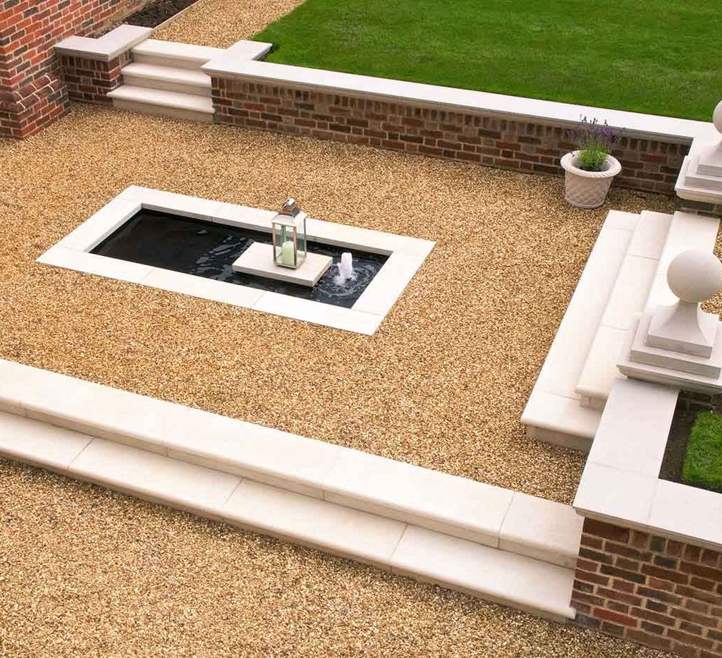 choosing a water feature - centrepiece fountains