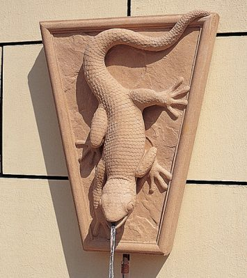 Gecko Wall Fountain