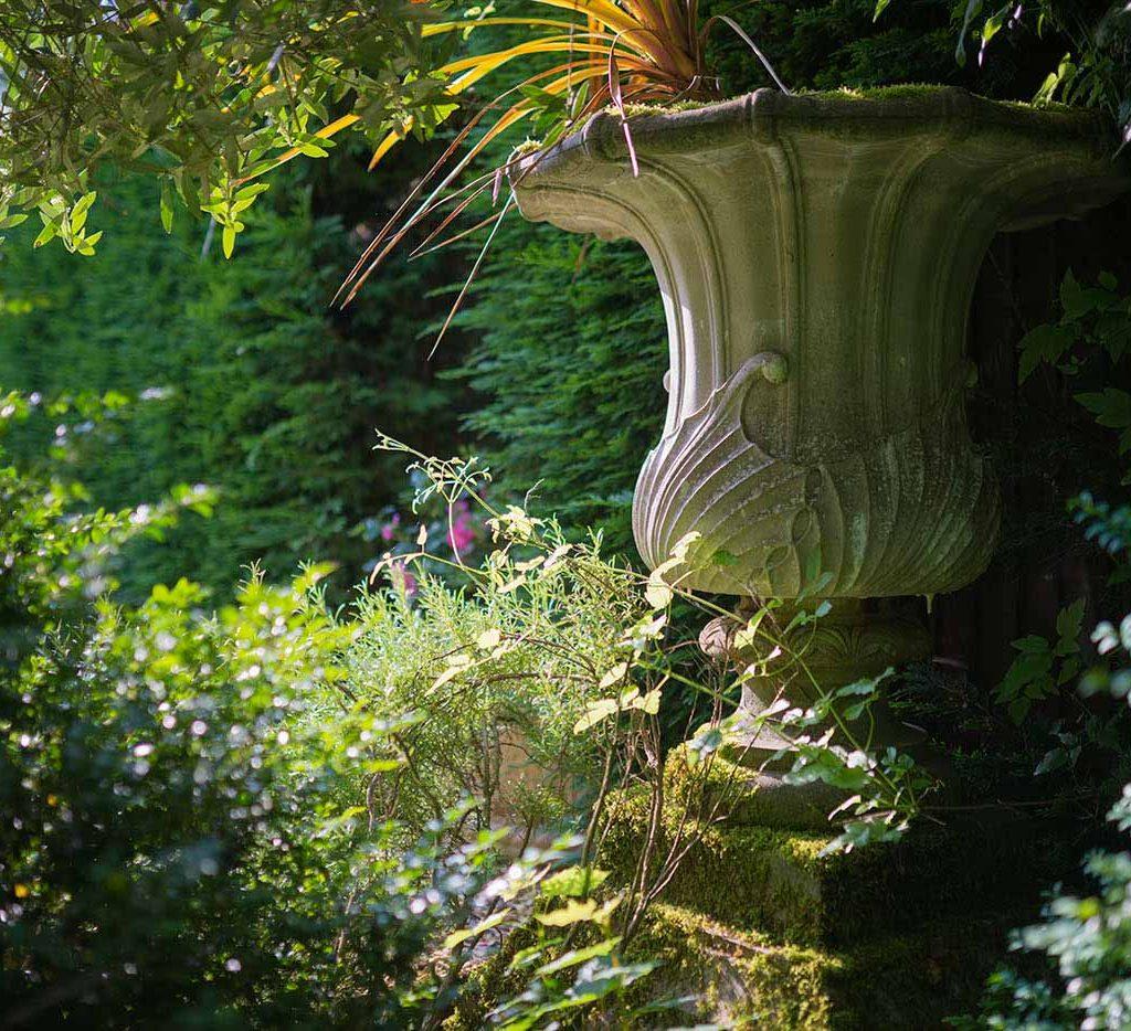 urns & pots - how to create an english garden