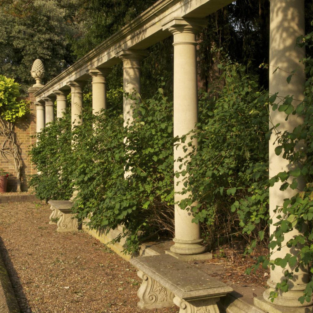 arches & pergolas - english garden ideas