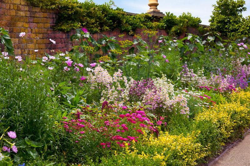 herbaceous border - english garden ideas