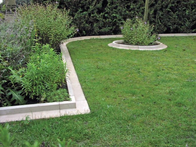 Arcadian Straight Lawn Edging (Pack of 20) GN700A-PACK20