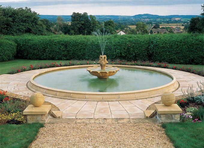 Extra Large Pool kerbs, vases and Plinths