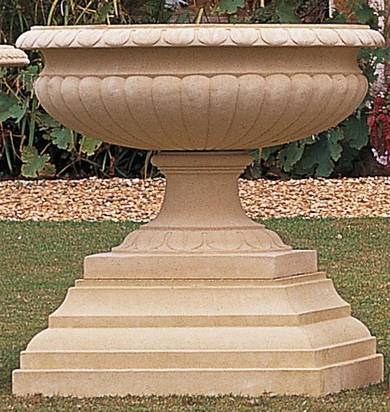 Large Winslow Pedestal