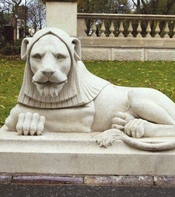 Leazes Park Lion (right-hand)