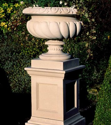 27 inch Queen Anne Pedestal