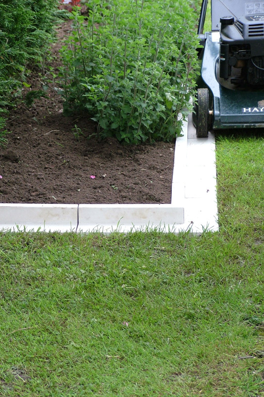 Arcadian Lawn and Paving Edging